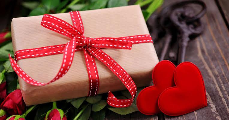 10 Inspirasi Kado Valentine Buat Gebetan, Dijamin Makin Lengket!