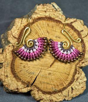 Pendientes de macrame y bronce rosas