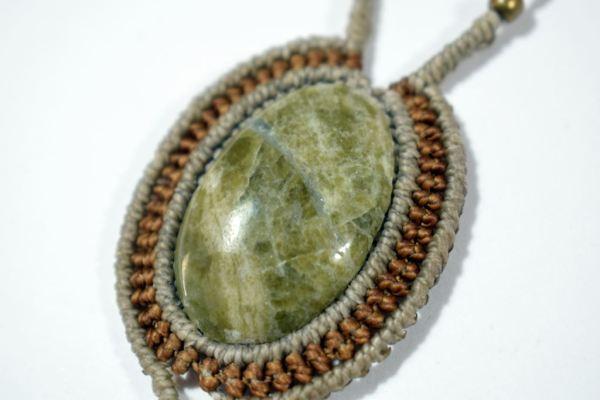 Colgantes con piedra natural