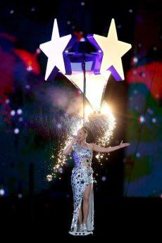 Katy-Perry-Super-Bowl-2015-16