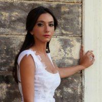 oyku_gurman_adi_yok_hala_klip