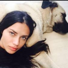 Adriana Lima 2015 Makyajsiz 1 - Adriana Lima