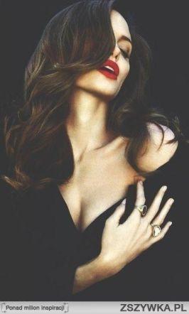 Angelina-Jolie-5