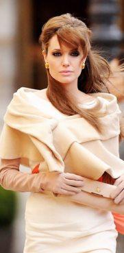 Angelina-Jolie-75