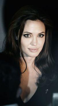 Angelina-Jolie-88