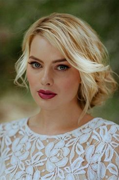 Margot-Robbie-new-photos-2014-15
