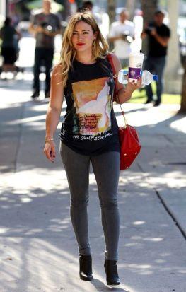 Hilary-Duff-photo-2014-14