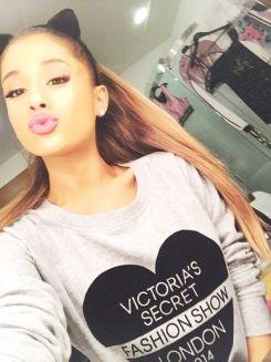 Ariana-Grande-Photos-Foto-Galeri-2014-2015-17