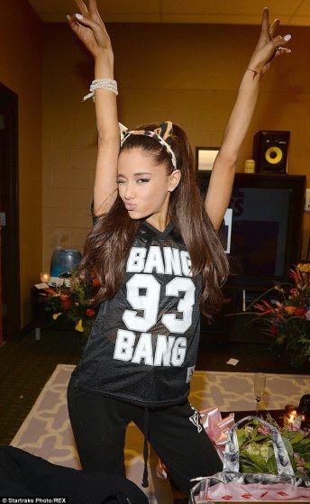 Ariana-Grande-Photos-Foto-Galeri-2014-2015-7