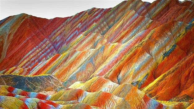 Cin-Gansu-Zhangye-Danxia-Landform-Jeolojik-Parki-1 Renkli ve İnanılmaz Dünya Manzaraları