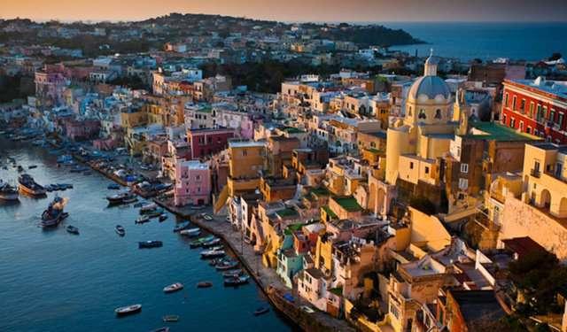 Procida-İtalya-2 Renkli ve İnanılmaz Dünya Manzaraları