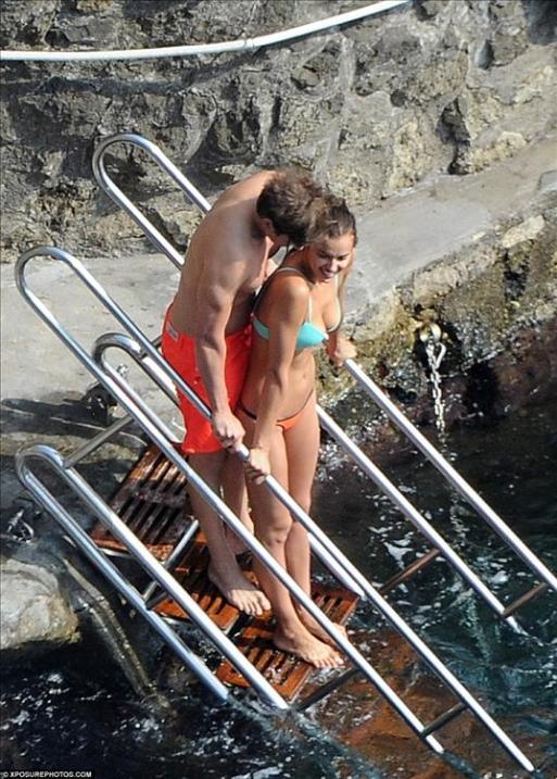 Bradley-Cooper-ve-irina-shayk-new-2015-6
