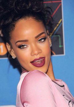 Rihanna-28