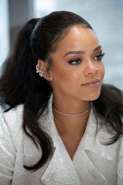 Rihanna-30