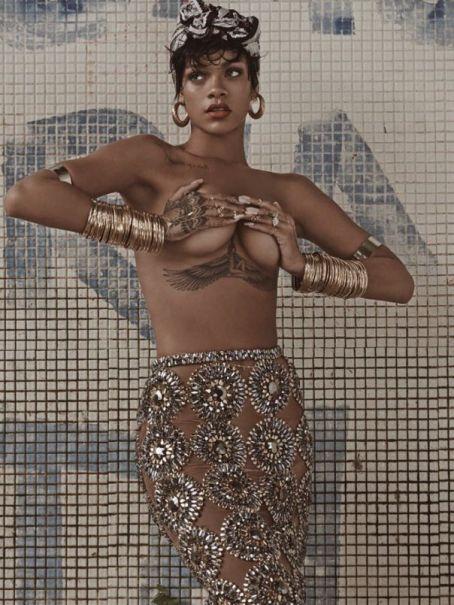 Rihanna-46