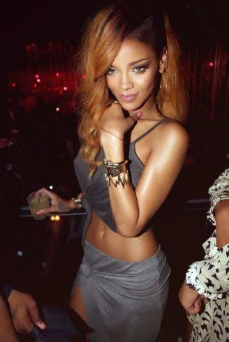 Rihanna-7