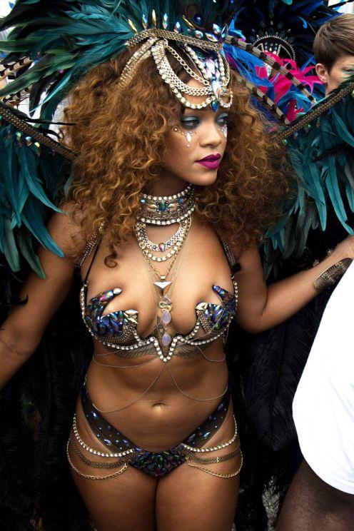 rihanna-barbados-carnival-2015-7