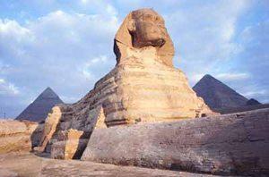 sfenks_heykeli Mısır Piramitlerinin Sırrı Nedir?