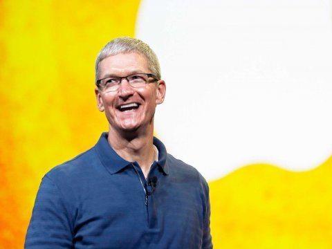 tim-cook-apple- Kişisel Bilgilerimizi Vermeyip FBI'a Kafa Tutarak Kalpleri Çalan Tim Cook Hakkında 17 Şey