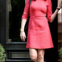 Anne-Hathaway-23