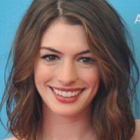 Anne-Hathaway-37
