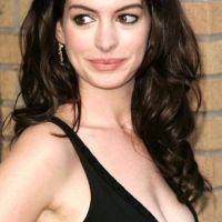 Anne-Hathaway-48
