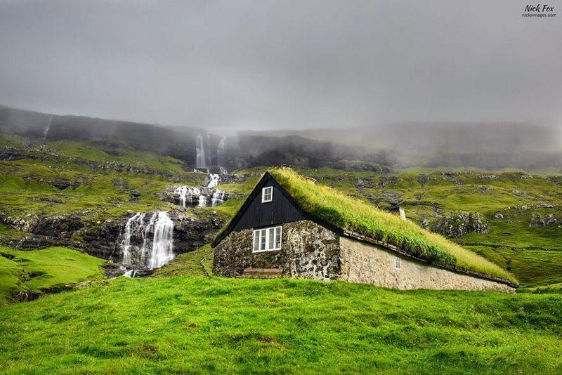 Kvednafossen-Şelalesi,-Norveç Çatısında Doğa Barındıran Evlerin Diyarı!