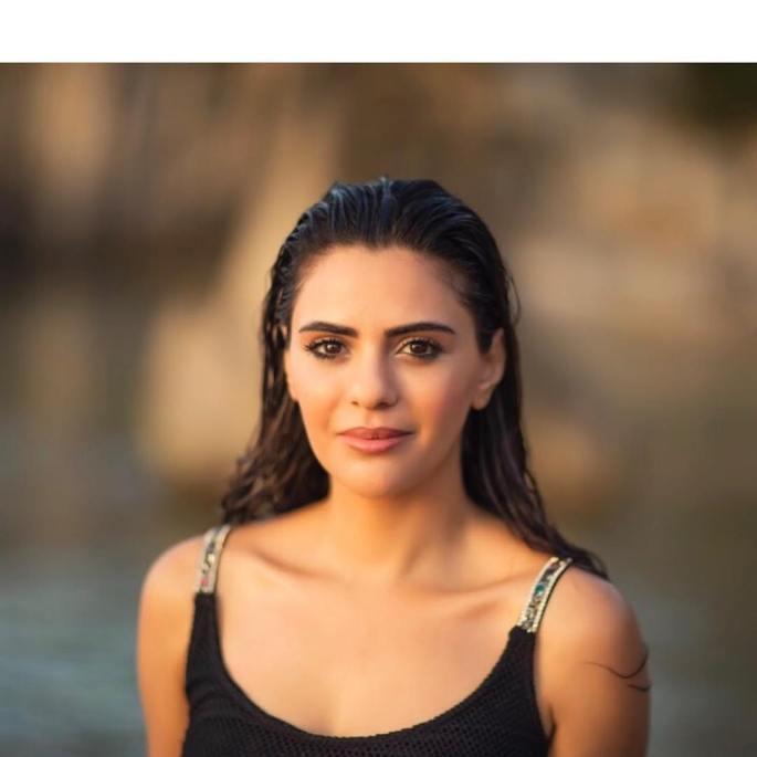 Semra-Guzel-Yeni-Fotograflari-15