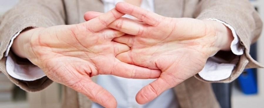 Parmaklar Neden Çıtlar?