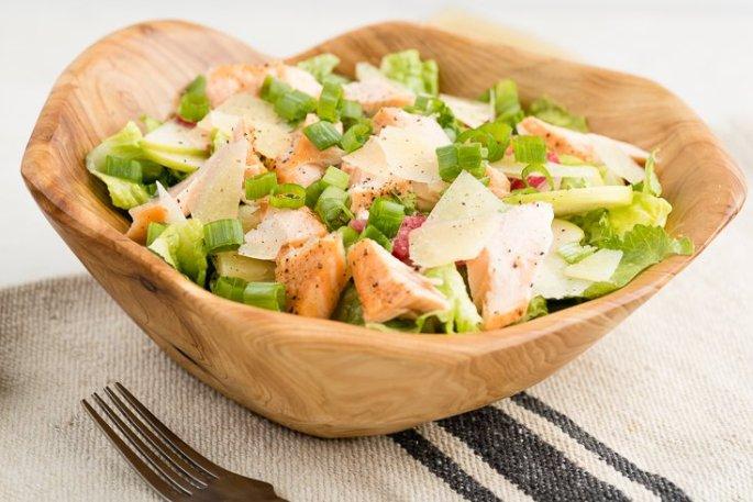 sezar salata 2 685x457 - Sezar Salata Tarifi