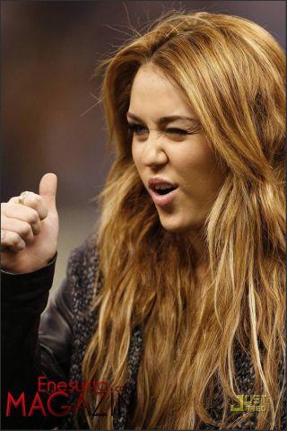 Miley Cyrus New Orleans Saints