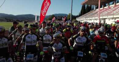 El homenaje a la Guardia Civil reunió en Ronda a más de 600 participantes
