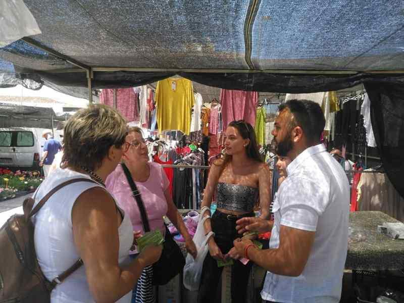 campaña electoral de UCIN Rincón de la Victoria, mercadillo de La Cala del Moral
