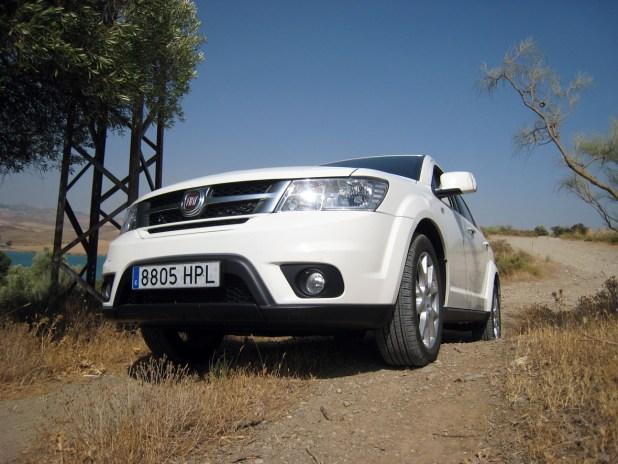 Aunque no se trata de un todoterreno, sí dispone de una aceptable altura libre al suelo, y determinadas versiones disponen de sistema de tracción 4×4 AWD.