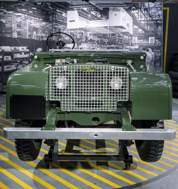 land-rover-defender-historia-01