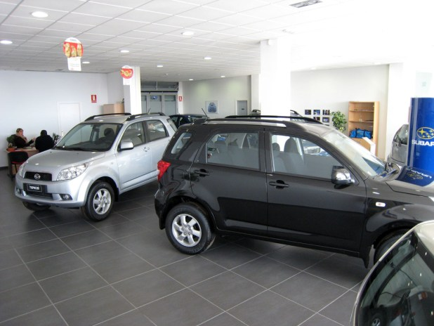 Vehículos Daihatsu en las instalaciones de Guarnieri