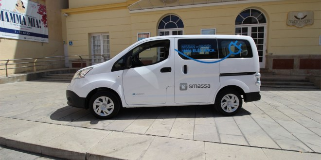 Nissan e-NV200 Smassa