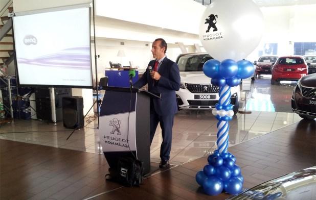 El Director Gerente de la concesión, Gregory Belhassen, fue el encargado de presentar el nuevo vehículo a los medios de comunicación.