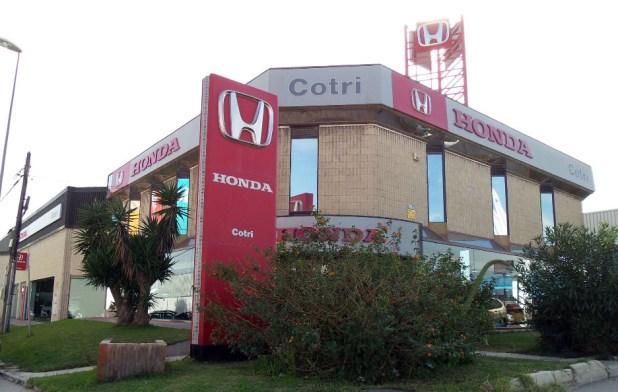 Fachada del Concesionario Honda Cotri.