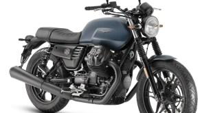 La Moto Guzzi V7 III Stone recibe la variante Night Pack con faros Led y nuevos detalles estéticos