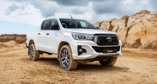 Toyota presenta la variante Legend Black de su popular pickup Hilux