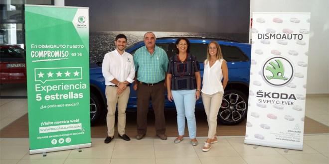 De izquierda a derecha, Francisco Luis Campos, marketing Skoda Dismoauto, Jesús Macero, organizador Ruta Solidaria 4x4 Málaga, Amparo Molina, gerente Skoda Dismoauto y Belén Millan, Marketing Skoda Dismoauto.