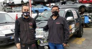 Carlos Ruíz, gerente Autodesguace CAT La Mina, y Salvador Rubén, piloto de rallyes.