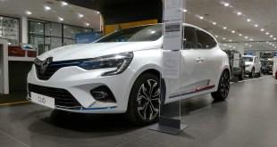 Clio E-TECH Híbrido, la búsqueda de la movilidad eléctrica y conectada en Renault Tahermo