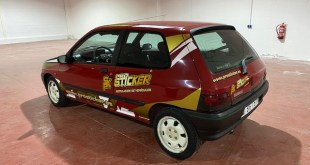 Vehículo de competición en Rally de Clásicos rotulado por Prosticker.