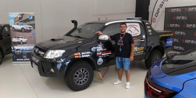 Salvador Rubén Serrano, piloto del equipo, en las instalaciones de DFSK Málaga.