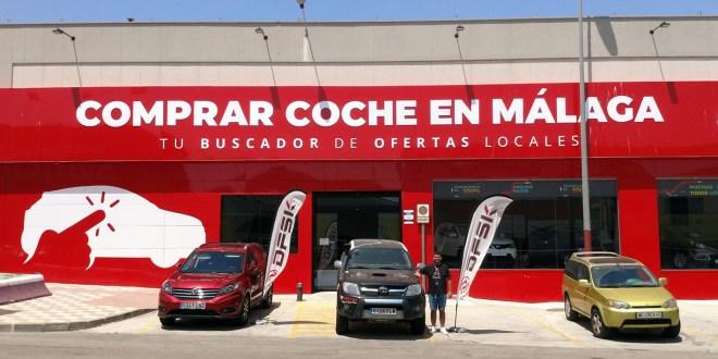 Salvador Rubén Serrano en las instalaciones de Comprar Coche en Málaga y DFSK Málaga.