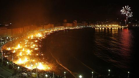 Midsummer's Eve: St. John's bonfires night in Malaga