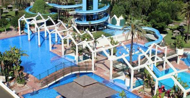 Apartments for kids Benal Beach