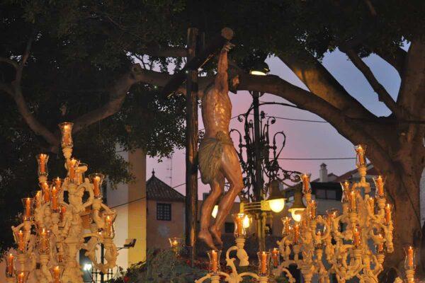 Prozessionsthrone